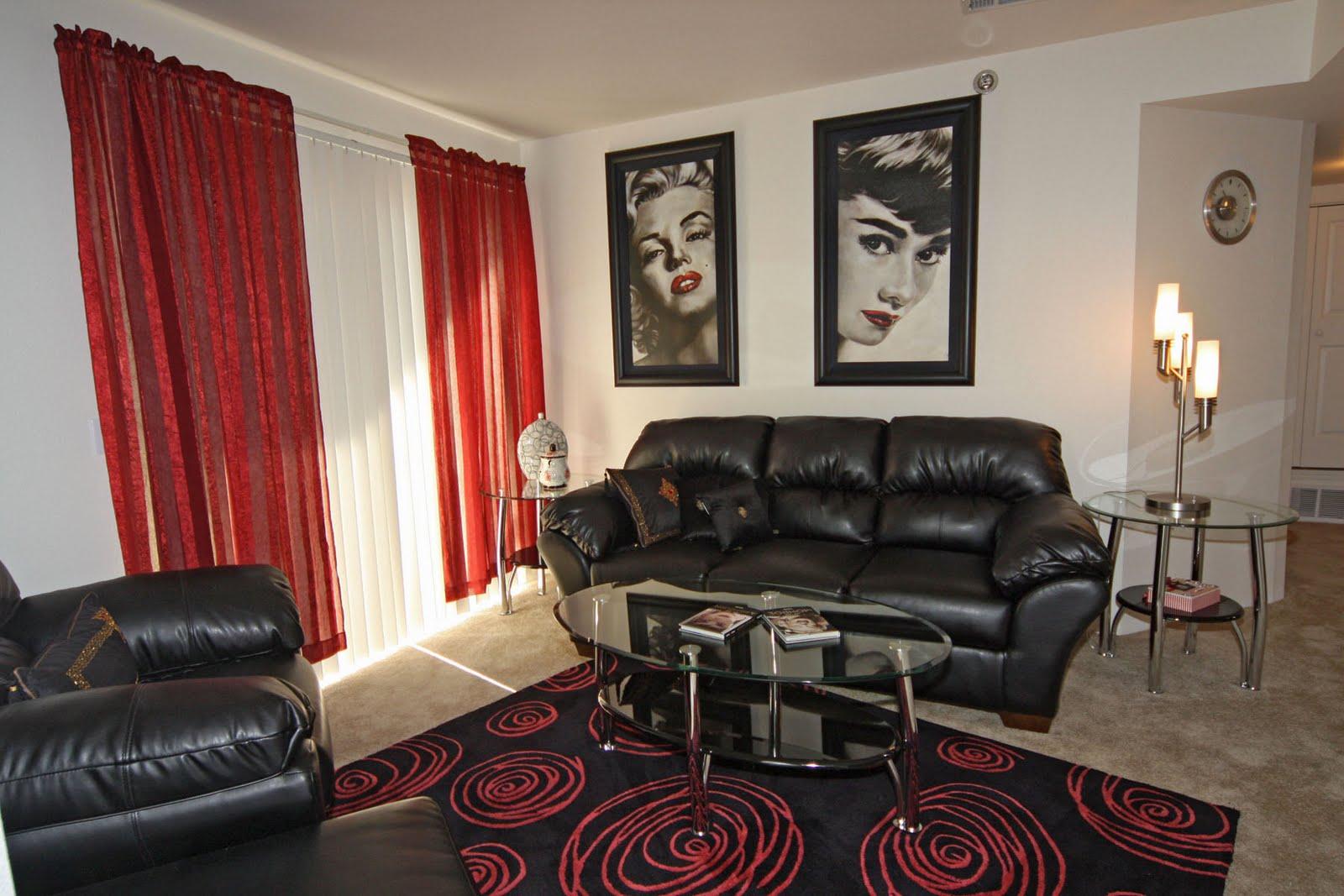 Americana Lakewood Apartments | Skyline Property Management