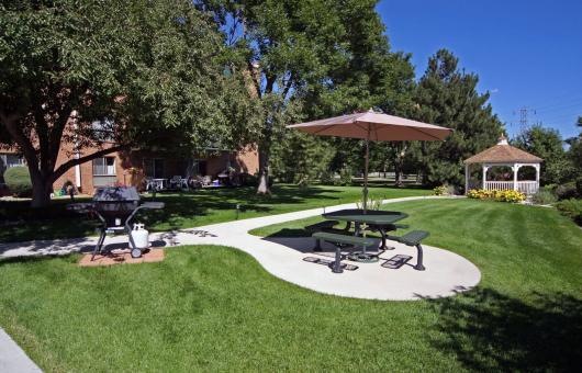 Paramount Garden Apartments